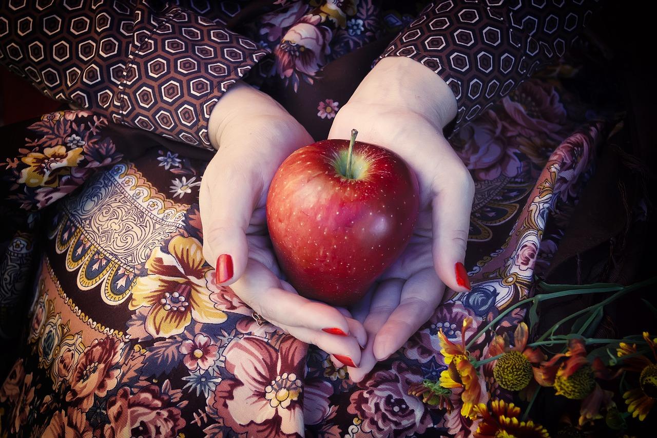 apple, palm, hands
